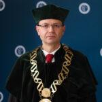 Dziekan Wydziału Przyrodniczo-Technicznego dr Dariusz Suszanowicz
